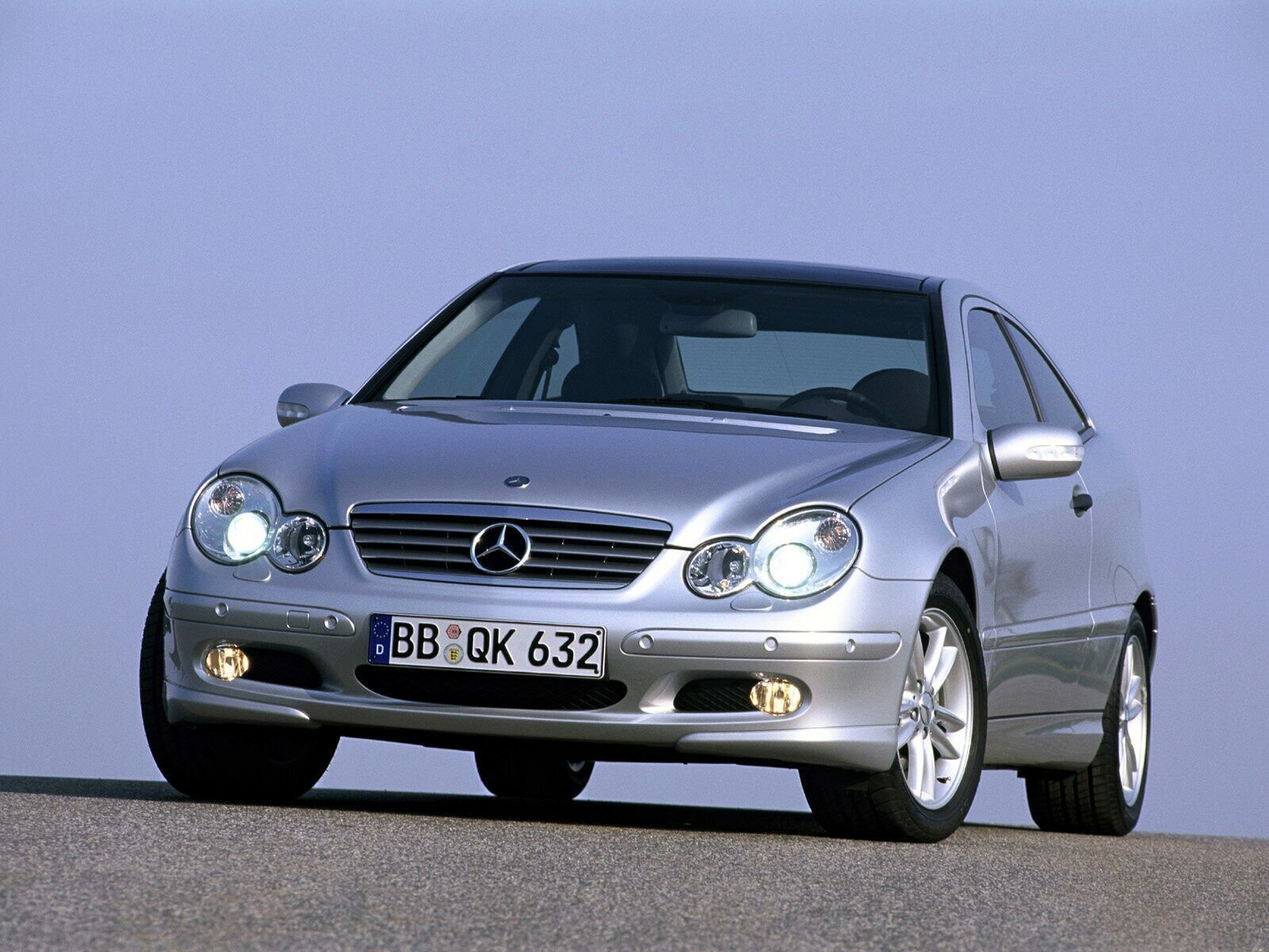 2004 mercedes c class picture 25811 car review top speed. Black Bedroom Furniture Sets. Home Design Ideas