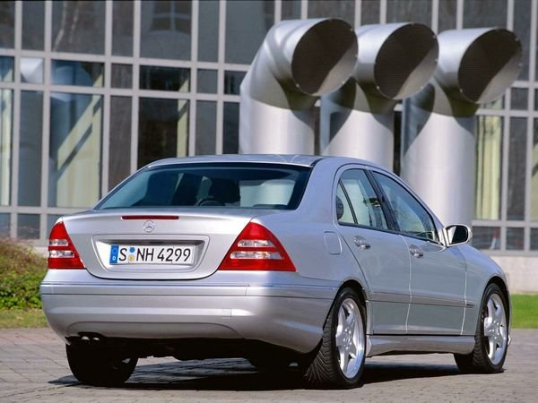 2004 mercedes c class car review top speed. Black Bedroom Furniture Sets. Home Design Ideas