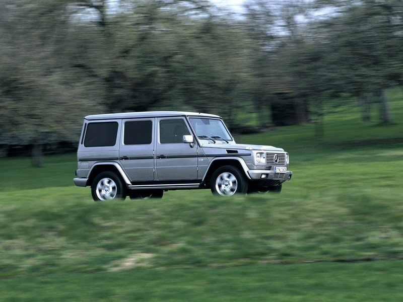 2004 mercedes g class review top speed for Mercedes benz g500 review
