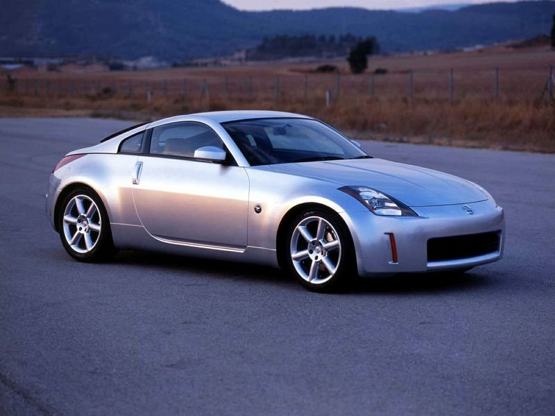 nissan 350z news and reviews top speed. Black Bedroom Furniture Sets. Home Design Ideas