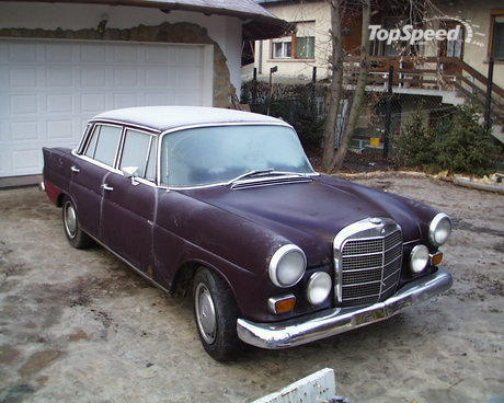 Old Mercedes Benz Transporter
