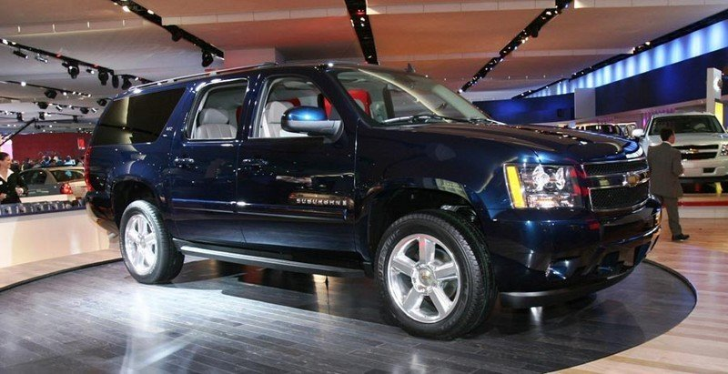 http://pictures.topspeed.com/IMG/crop/200601/2007-chevrolet-suburban-5_800x0w.jpg