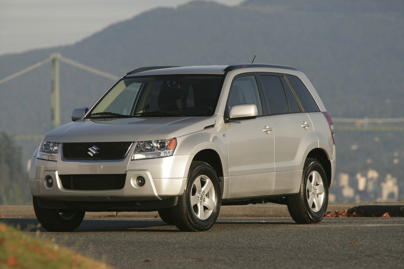 2006 Suzuki Grand Vitara Review