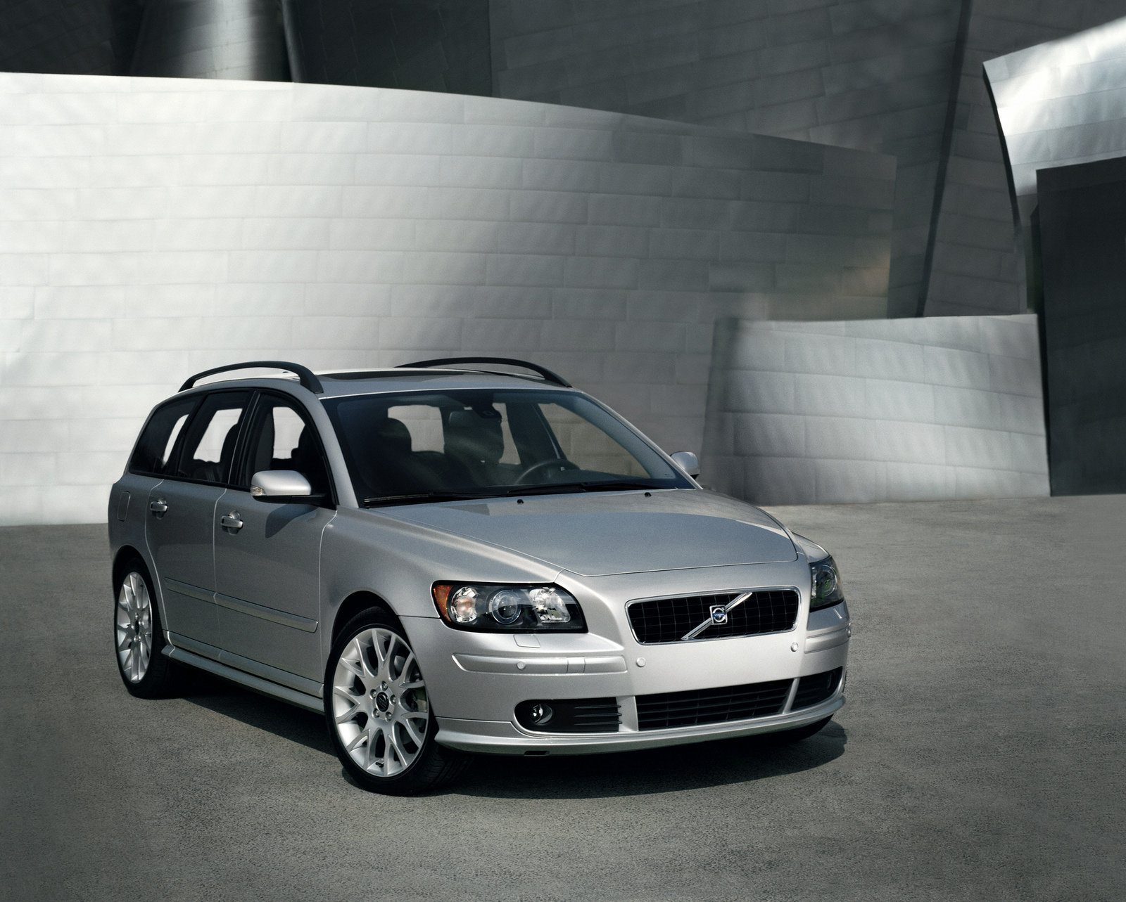 2006 Volvo V50 Review - Top Speed