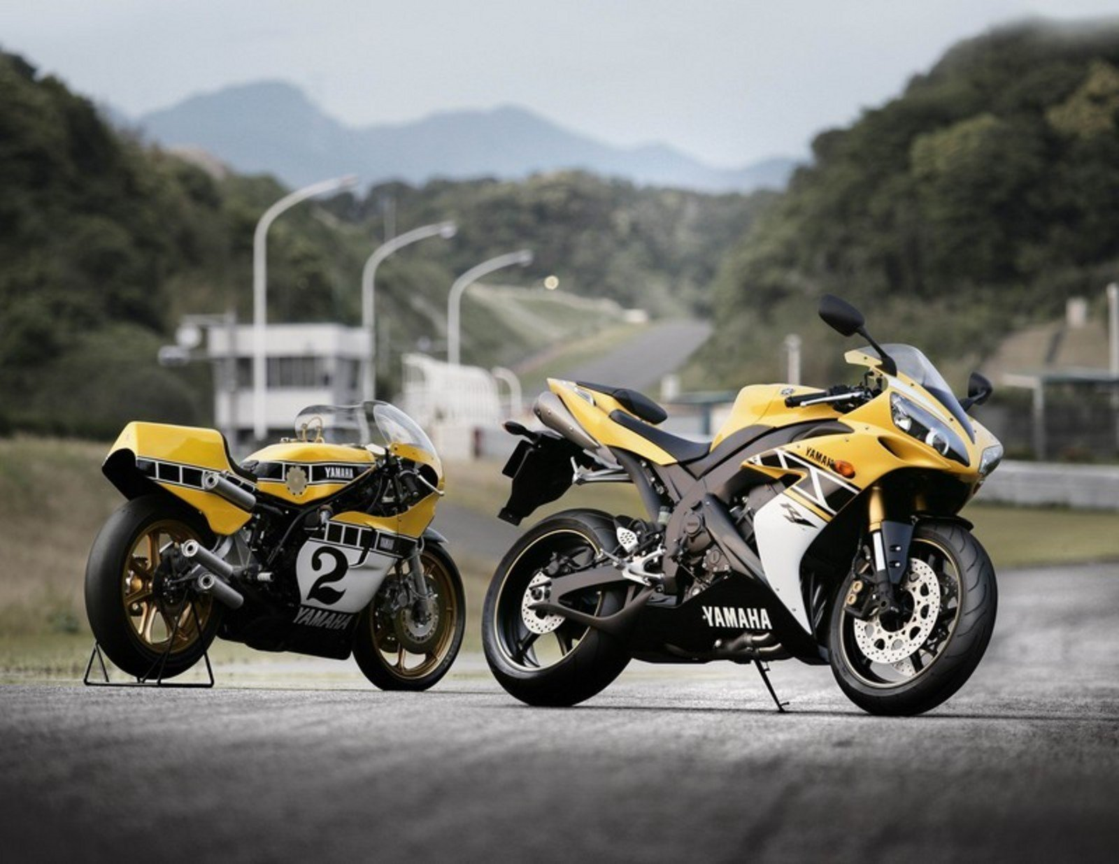 SUPER GREAT SPORTBIKES: YAMAHA YZF R1 2006 SOLD