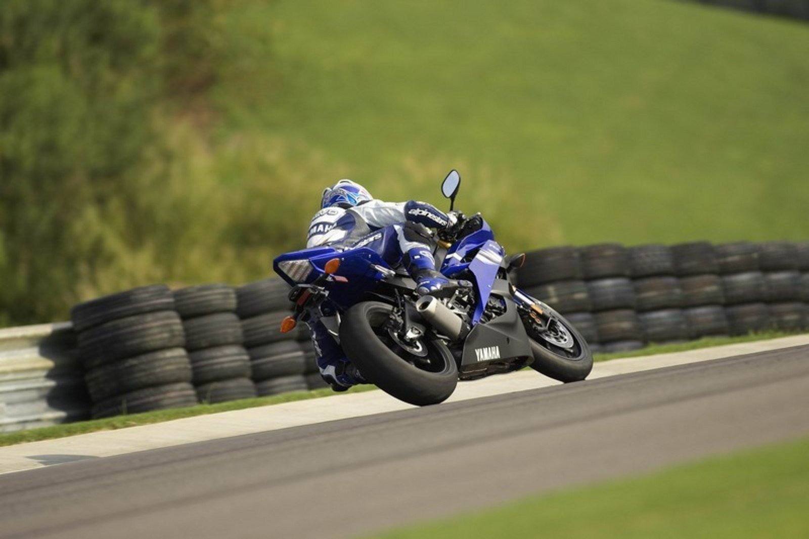 2006 yamaha yzf r6 picture 45424 motorcycle review for 2006 yamaha yzf r6
