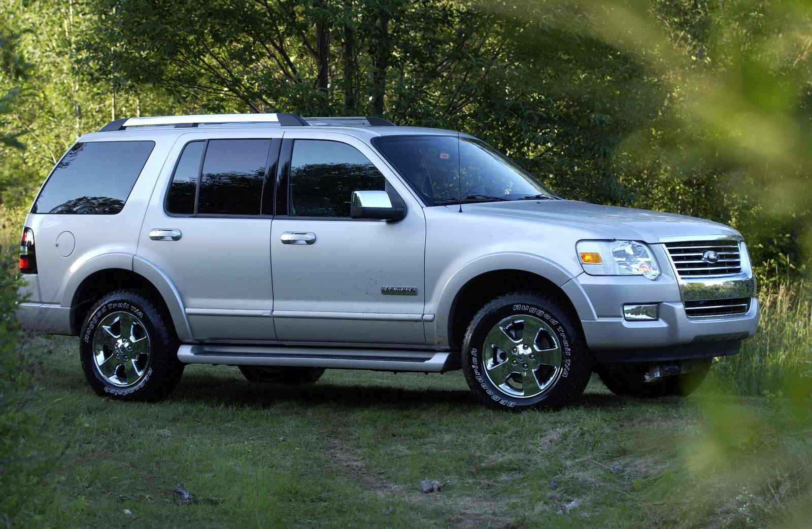 Ford Explorer,Sport Trac And Mercury Mountaineer Earn Highest IIHS Frontal Crash Test Rating ...