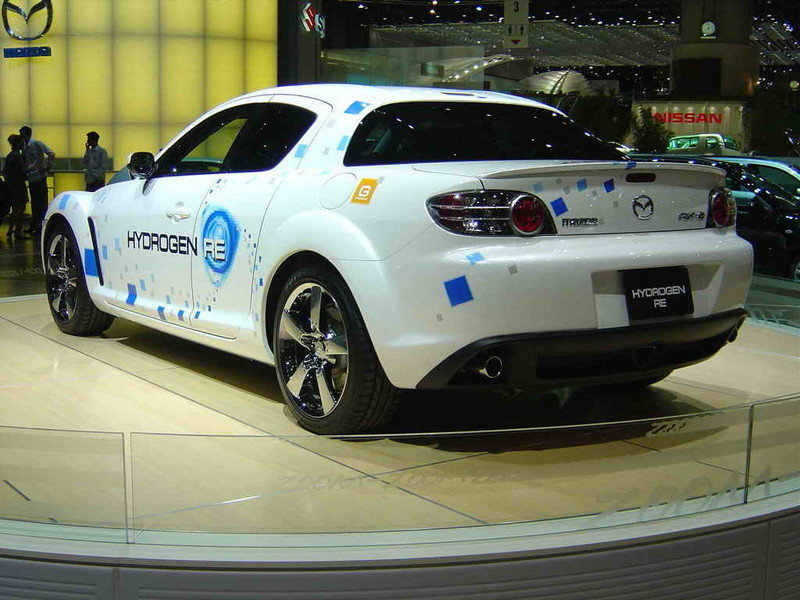 Mazda Delivers RX-8 Hydrogen RE Vehicles to Corporate Customer Fleets