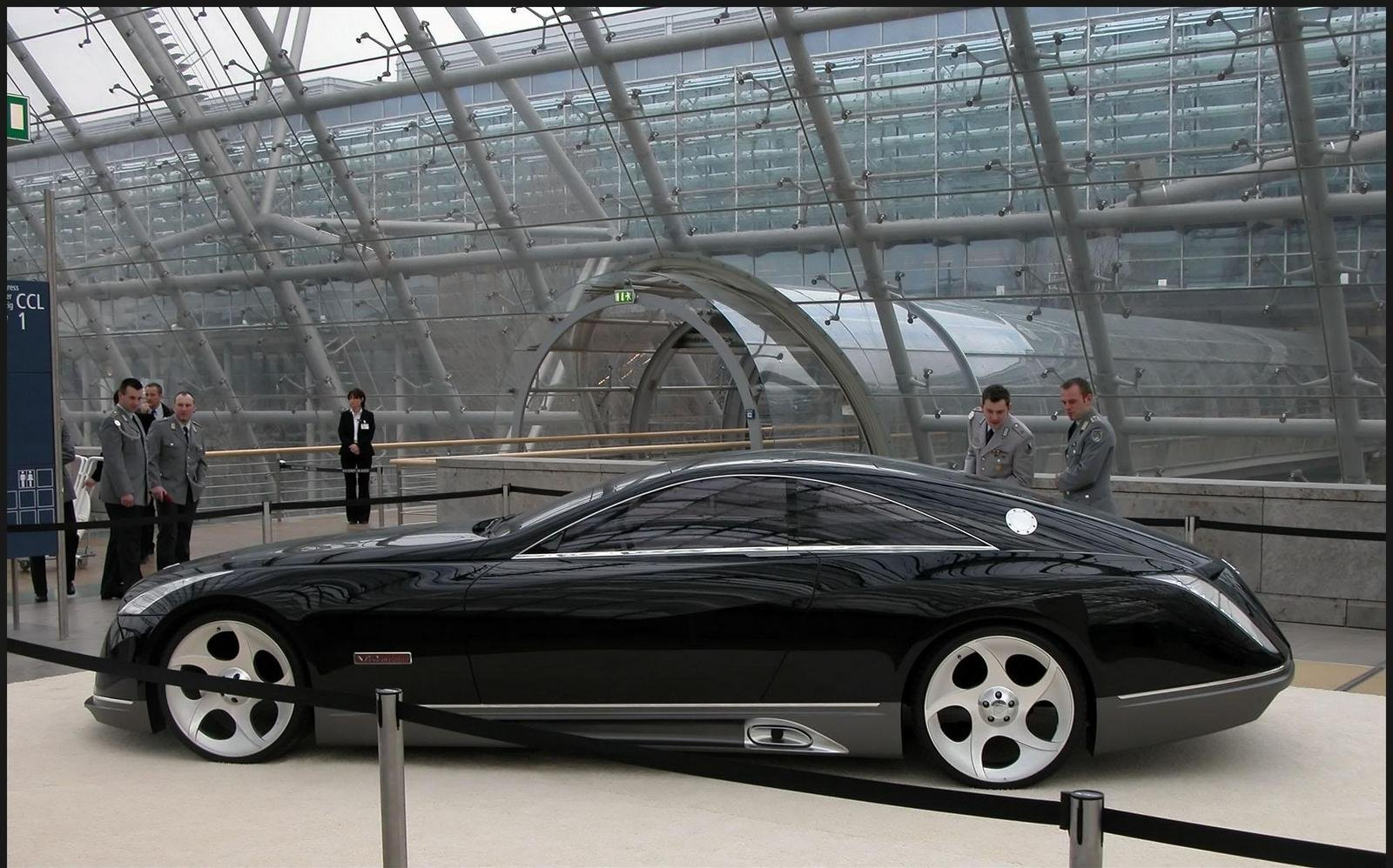http://pictures.topspeed.com/IMG/crop/200604/2005-maybach-exelero-8_1600x0w.jpg
