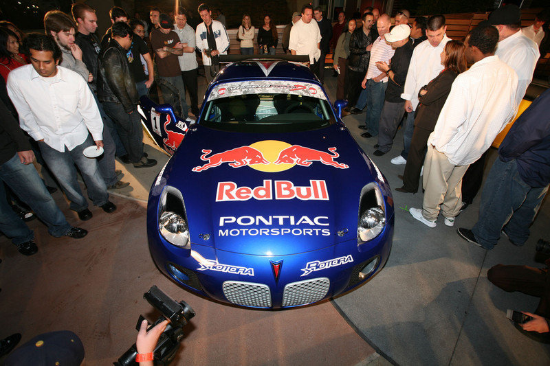 Pontiac unveils Red Bull Solstice GXP for drifting competition