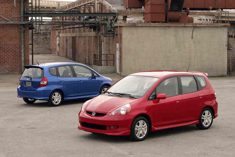 "2007 Honda Fit Achieves Top ""5-Star"" Safety Rating"
