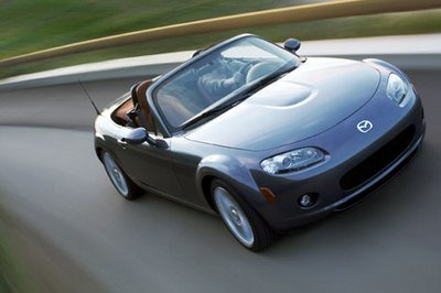 https://pictures.topspeed.com/IMG/crop/200605/mazda-mx-5-to-get-mo_400x266w.jpg
