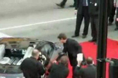 Tom Cruise cannot open the door of his Bugatti Veyron