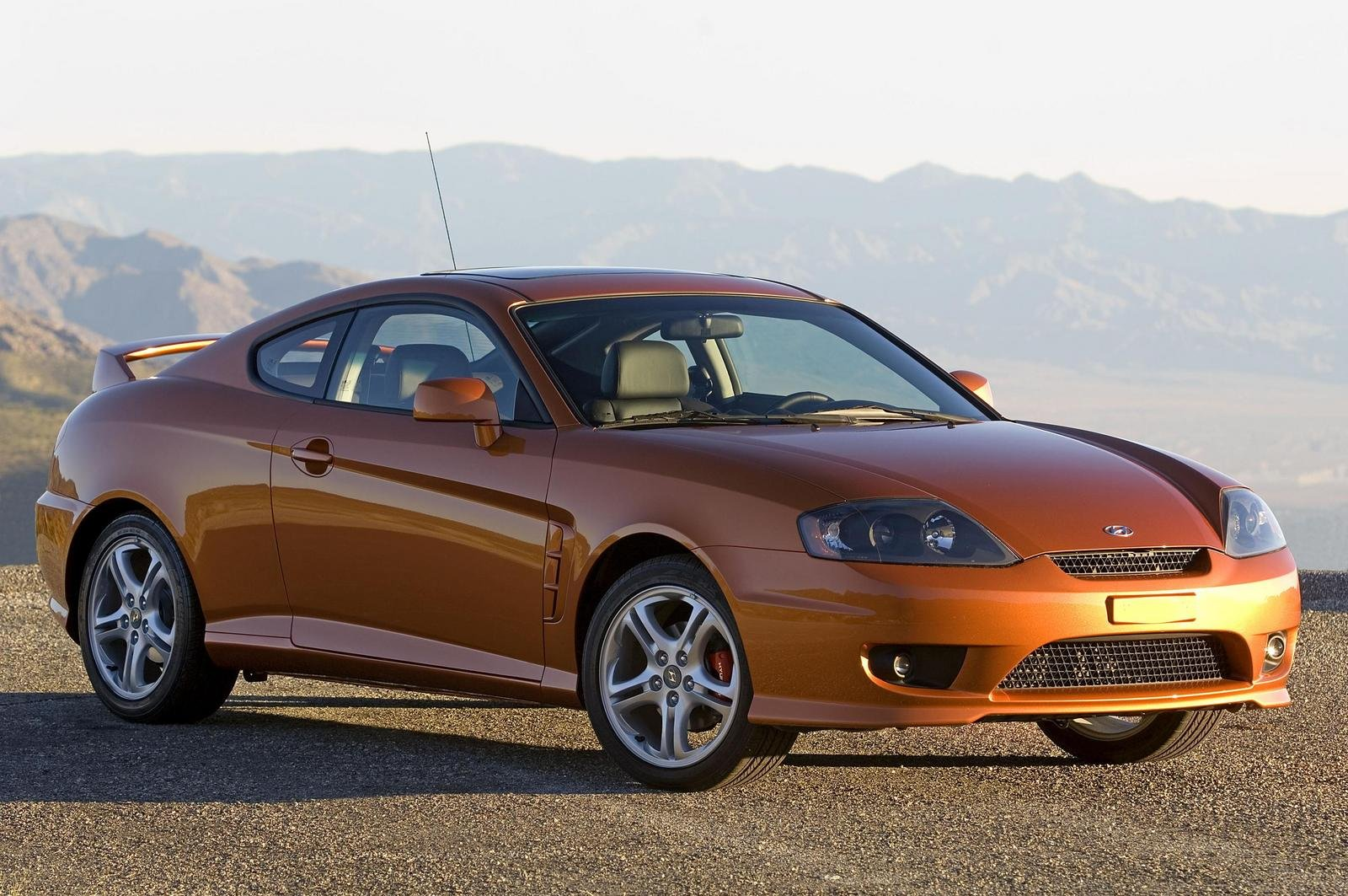 2006 hyundai tiburon review top speed. Black Bedroom Furniture Sets. Home Design Ideas