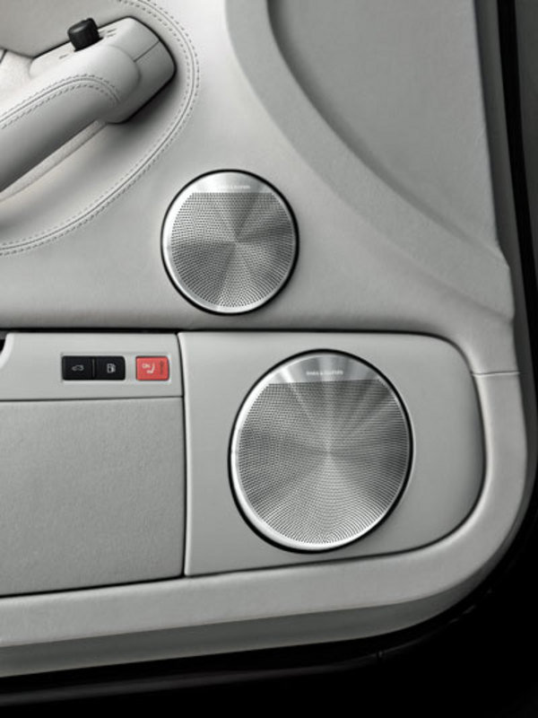 bang olufsen sound system for audi a8 car news top speed. Black Bedroom Furniture Sets. Home Design Ideas