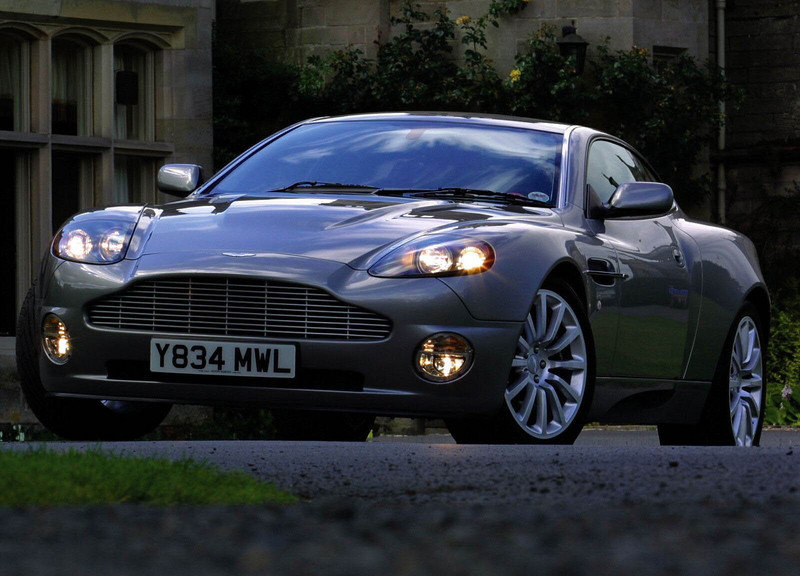 Aston-Martin V8 Volante and DBS coupe - Spy Shots