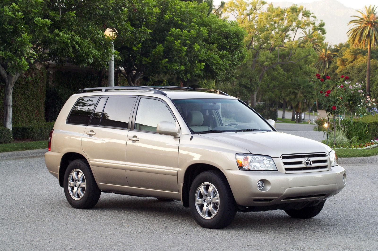 2006 toyota highlander review top speed