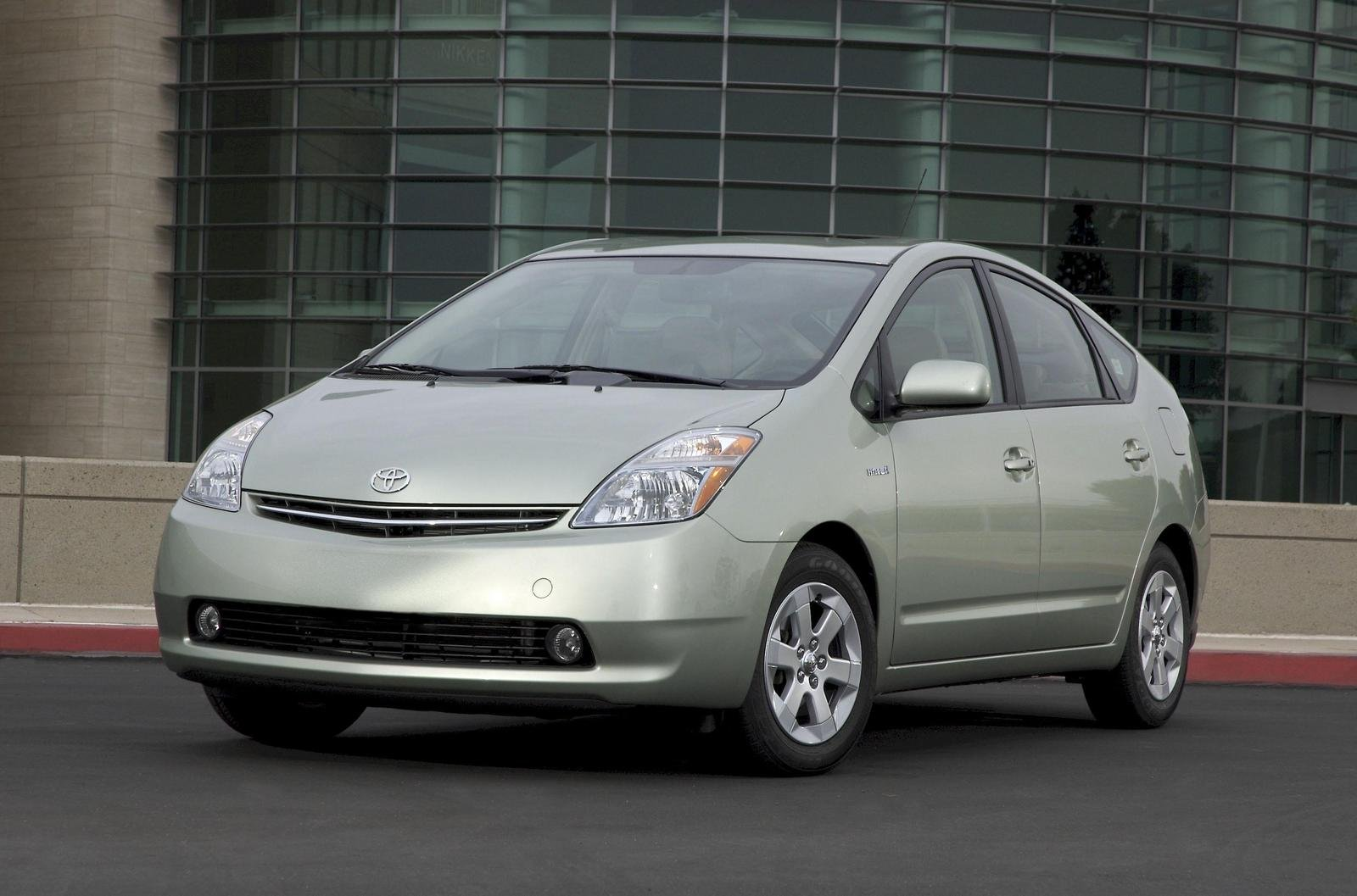 2006 toyota prius reviews ratings yahoo autos post. Black Bedroom Furniture Sets. Home Design Ideas