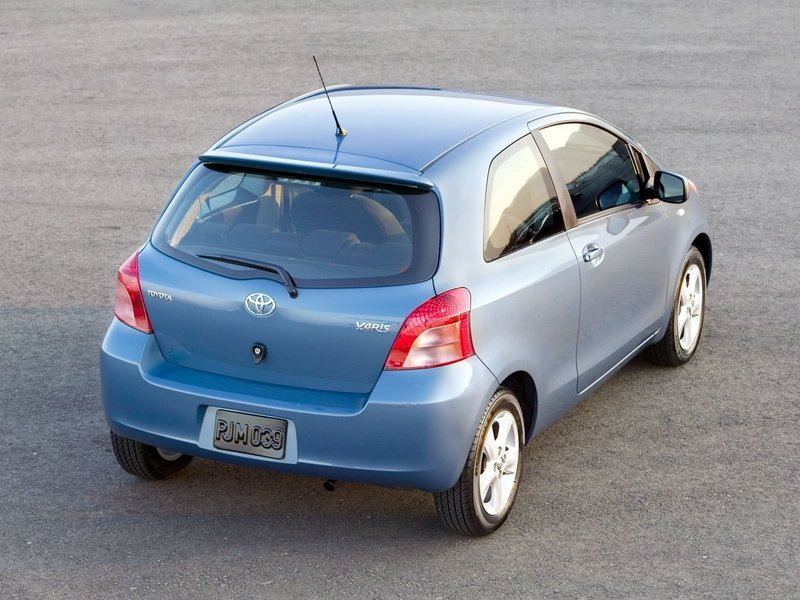 toyota yaris reviews specs prices top speed. Black Bedroom Furniture Sets. Home Design Ideas