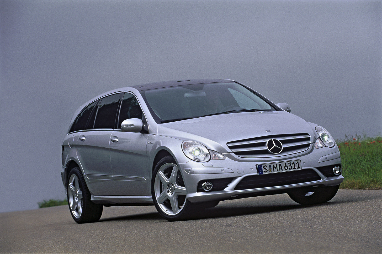 2007 mercedes r63 amg 4matic review top speed. Black Bedroom Furniture Sets. Home Design Ideas