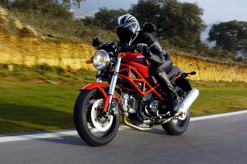 2007 ducati monster 695 review top speed. Black Bedroom Furniture Sets. Home Design Ideas