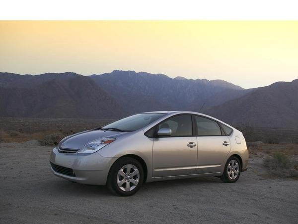 toyota prius grows to up to 50 picture