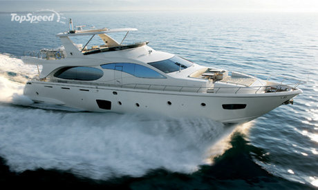 Azimut 85 successfully unites opposites to coexist in perfect harmony.