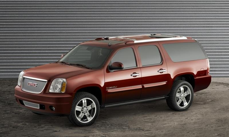"2007 GMC Yukon Denali XL 2500 ""Big Max"""