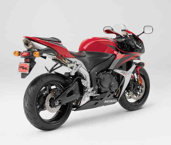 Motorcycle Review Top Speed: 2007 Honda CBR 600RR - Picture 106631