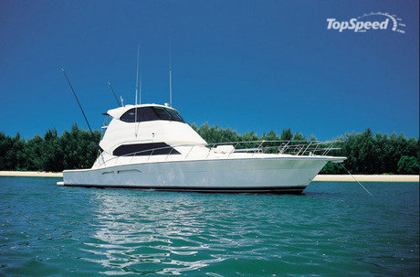 Wrap-around windows in the enclosed GRP flybridge are made from toughened ...