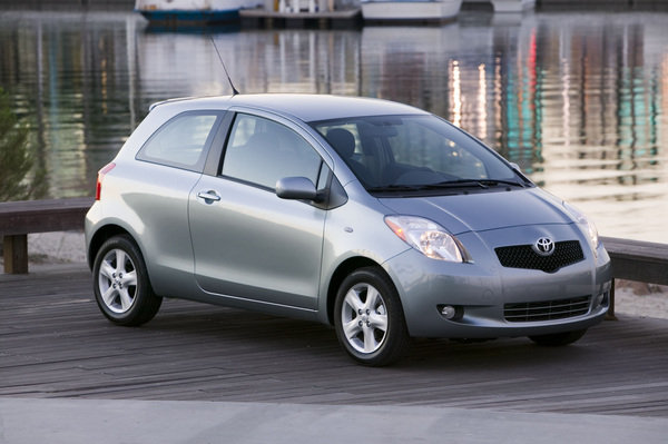 2007 toyota yaris car review top speed. Black Bedroom Furniture Sets. Home Design Ideas