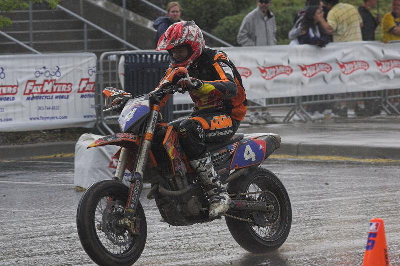 AMA Supermoto: Lewis takes first win, Carlson retains lead