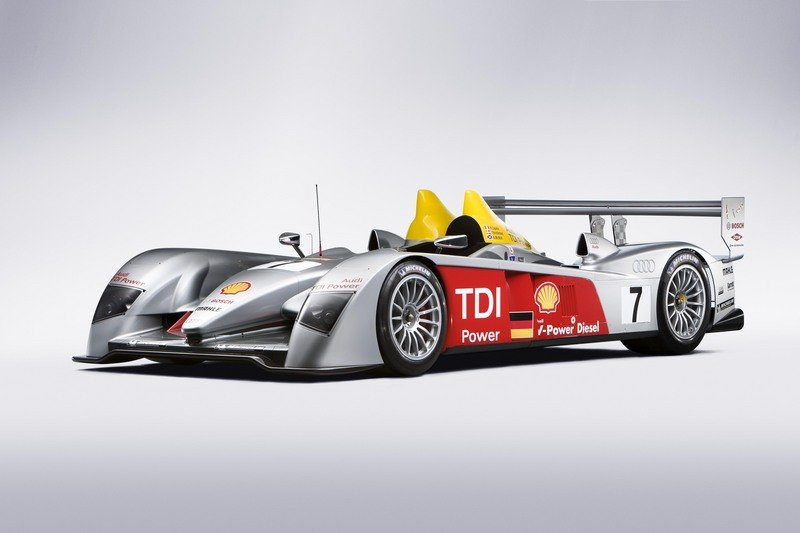 Audi R10 TDI drives through New York City