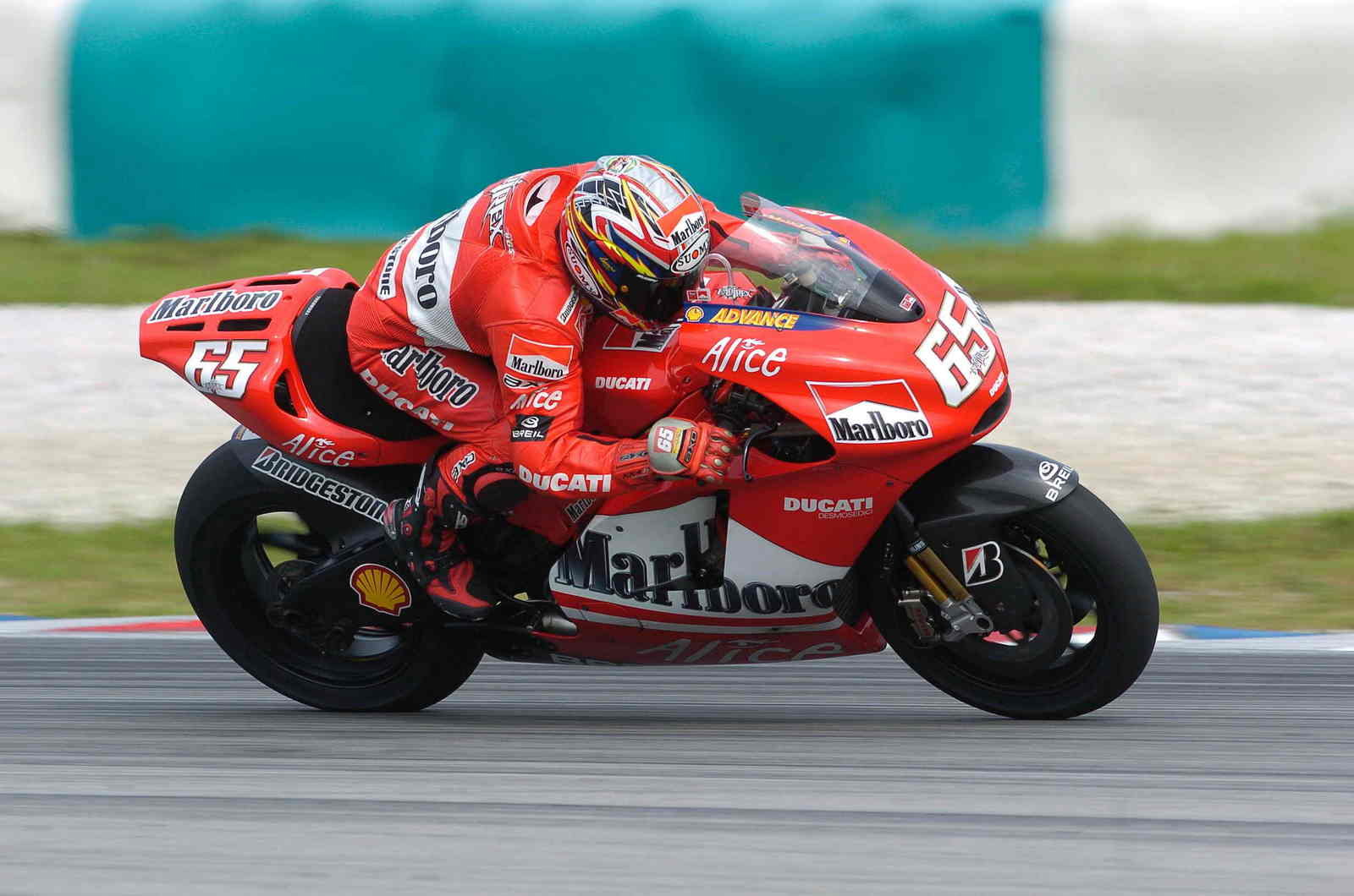 Ducati Marlboro Team Aims For 990cc Finale News - Top Speed