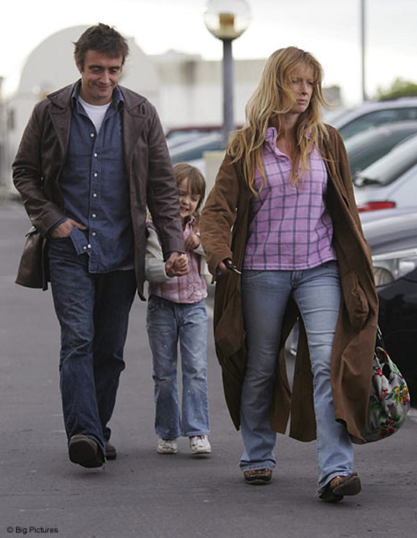 Land Speed Record >> Richard Hammond On A Walk With His Family News - Top Speed