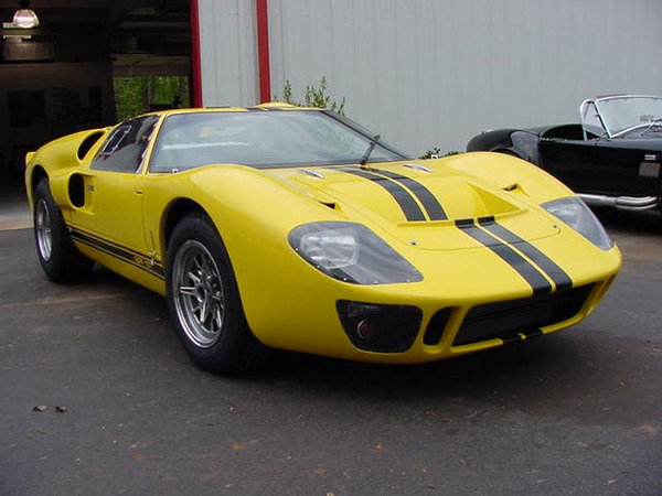 http://www.topspeed.com/cars/car-news/superformance-gt40-mkii-ar14496/picture106499.html