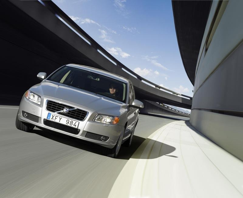 "Volvo S80 won the ""Autorevue Award"""