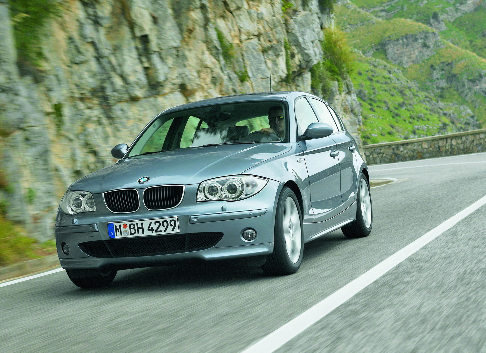 2006 bmw 1 series review top speed. Black Bedroom Furniture Sets. Home Design Ideas