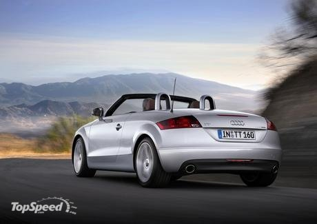 At the rear end of the new TT Roadster, the large exhaust tailpipes,