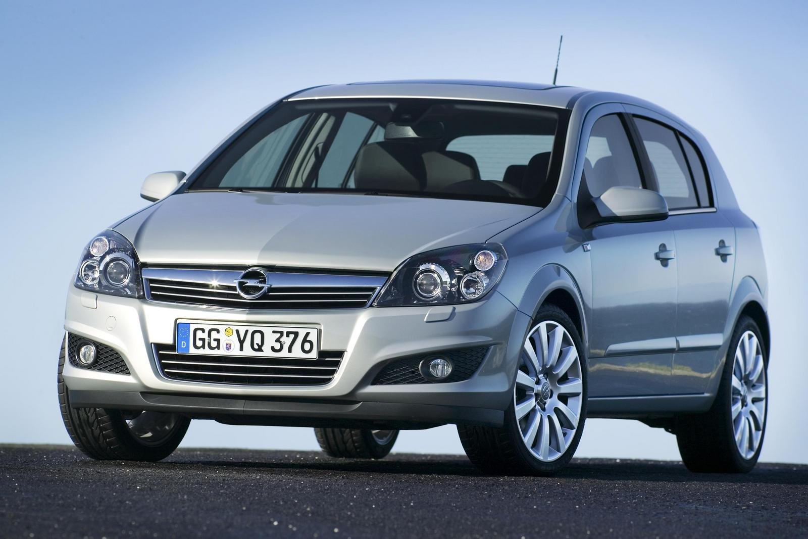 2007 Opel Astra Facelift Review