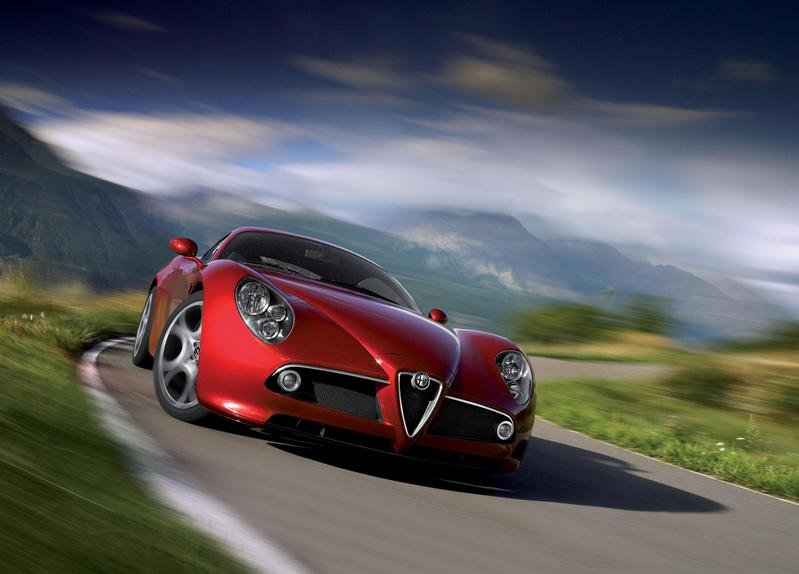 Alfa 8C Competizione - limited to 500 units