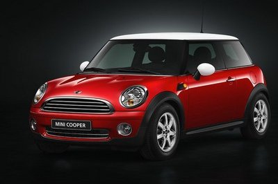 Full 2006 Mini line-up on display at L.A. Auto Show