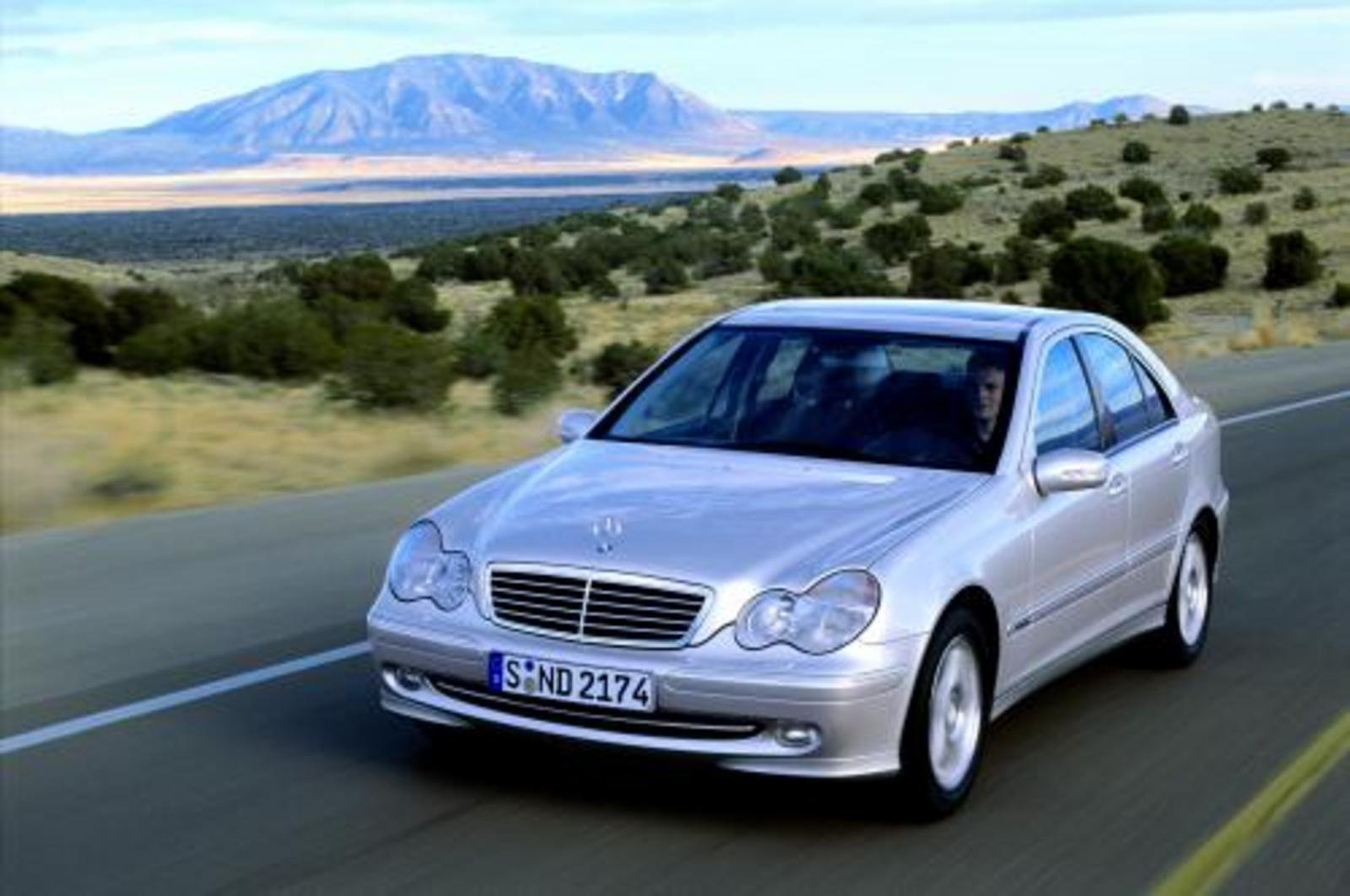 2000 2006 mercedes c class review top speed. Black Bedroom Furniture Sets. Home Design Ideas