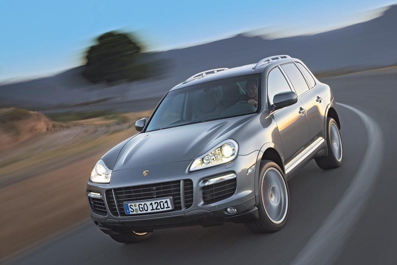 2007 porsche cayenne review top speed. Black Bedroom Furniture Sets. Home Design Ideas