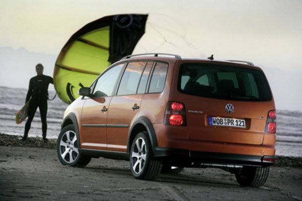 2007 vw cross touran car review top speed. Black Bedroom Furniture Sets. Home Design Ideas