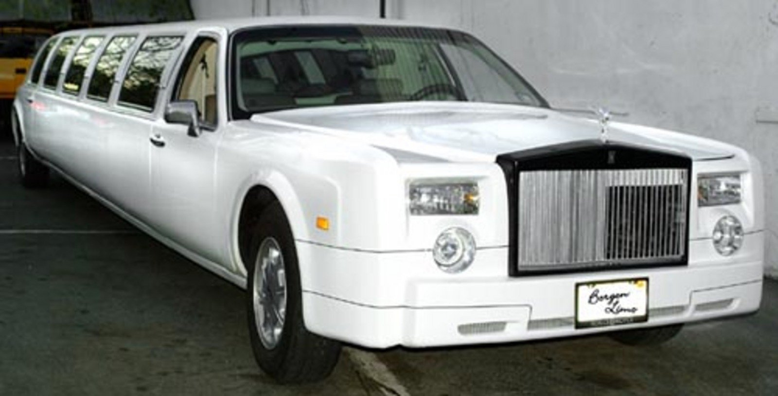 rolls royce phantom limousine news gallery top speed. Black Bedroom Furniture Sets. Home Design Ideas