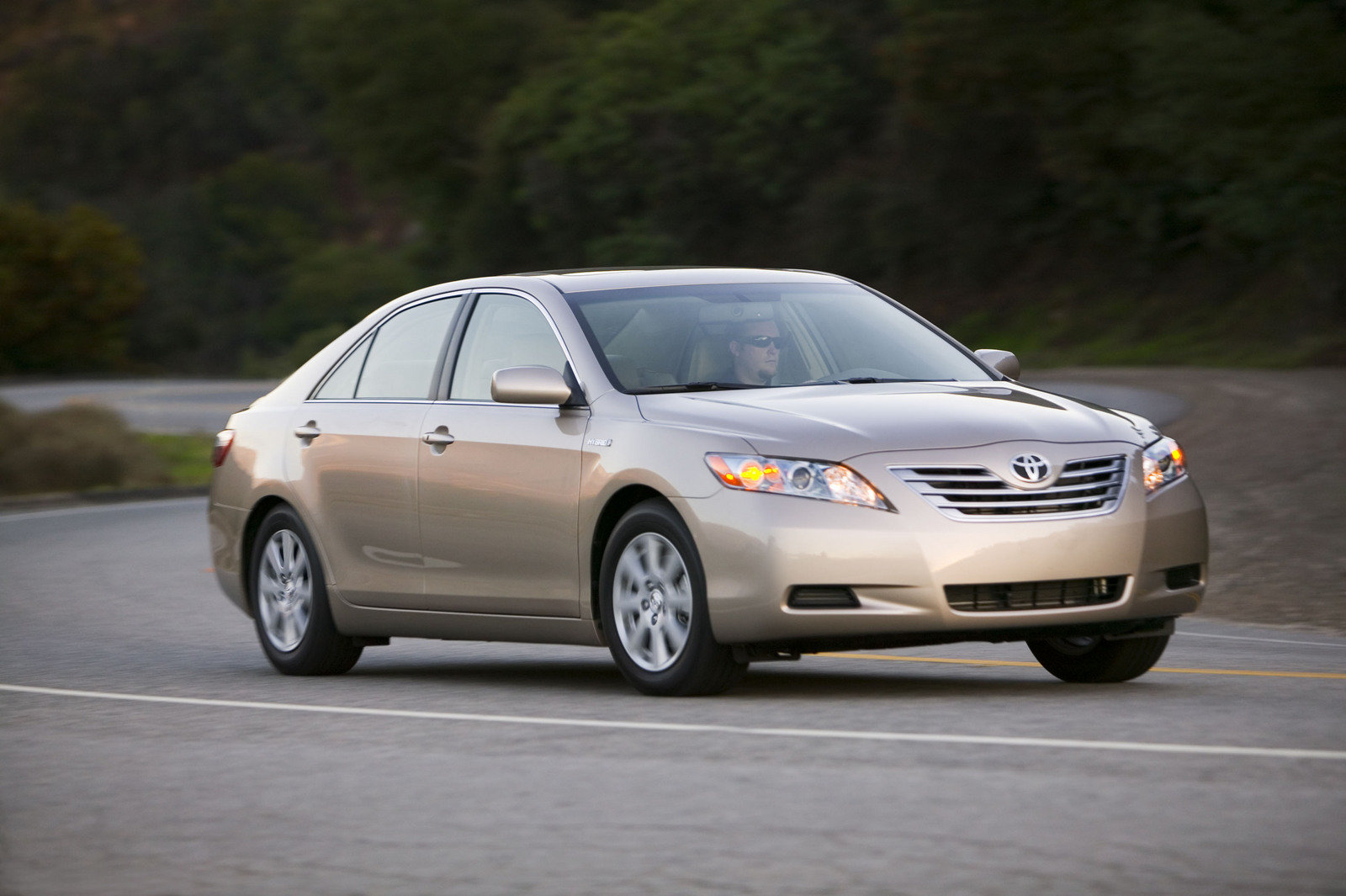 toyota camry hybrid 2007 green car of the year top speed. Black Bedroom Furniture Sets. Home Design Ideas