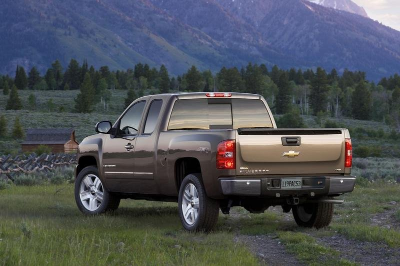 2007 Chevy Silverado-Truck of the Year - image 125599