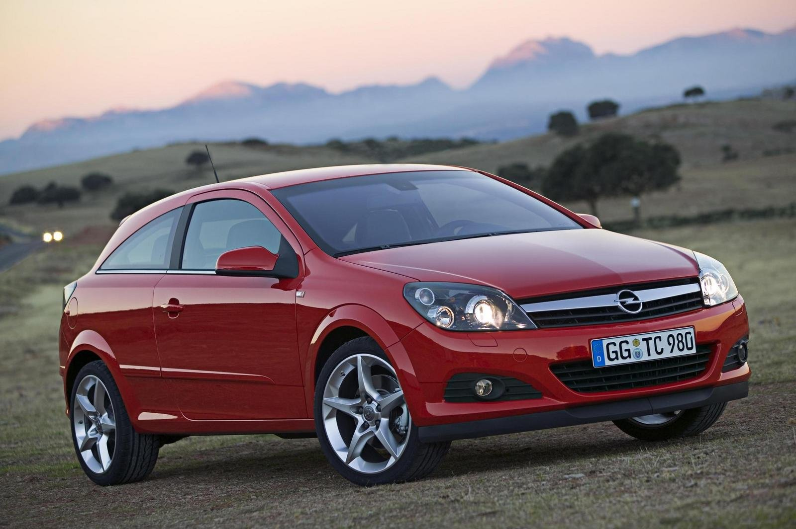 2007 Opel Astra GTC Review