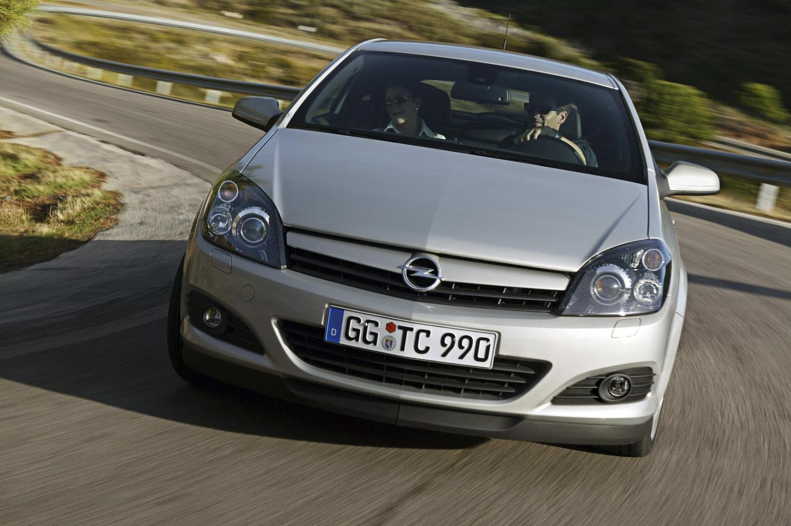 2007 opel astra gtc picture 140614 car review top speed. Black Bedroom Furniture Sets. Home Design Ideas
